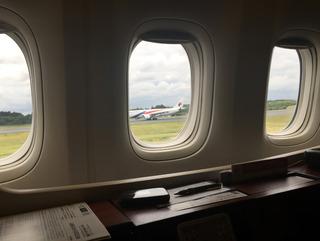 ジャカルタ赴任後10度目の帰国 --日本航空「JL725」便--SKY SUITE 777(スカイスイート777)」