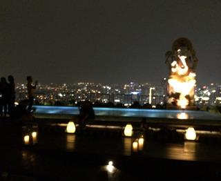 ジャカルタで一番高層で高価な「SKYE Bar & Restaurant」 @ジャカルタ・タムリン