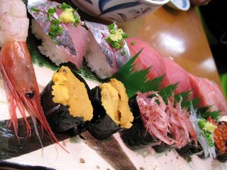 静岡県、焼津さかなセンターで新鮮なマグロを食す!