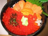 北海道函館のウニイクラ丼