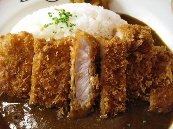 羽田空港のART BRASSERIE (アーツブラッセリー)にてカツカレーを食す!