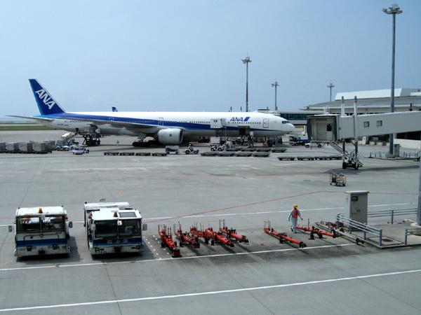 ANA 125便 沖縄那覇空港
