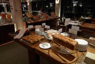 パルテノン神殿を見ながら食す朝食「GBルーフガーデン」 @ホテルグランドブルターニュ・アテネ