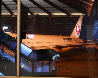 ジャカルタ赴任後10度目の帰国 --日本航空「JL726」便--SKY SUITE 777(スカイスイート777)」