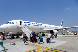 パリからナポリへ--エールフランス「AF1178」便