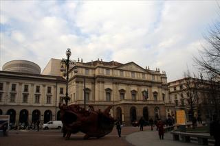 イタリア、ミラノ世界遺産観光。スフォルツェスコ城、『最後の晩餐』サンタ・ マリア・デレ・グラツィエ教会、スカラ座広場、ヴィットリオエマヌエレ二世ガレリア、ミラノ大聖堂を巡る。