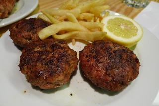 「MEATROPOLEOS 3」でギリシャの肉料理を食す! @アテネ・シンタグマ広場