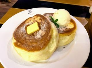 日本式パンケーキ・チーズタルト・ケーキ・パン戦争 @ジャカルタ