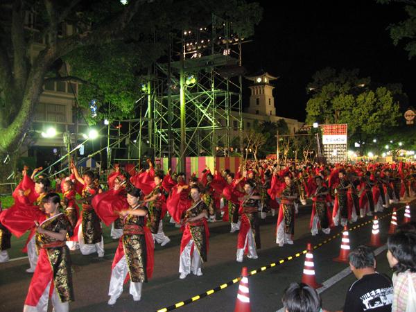 高知の「よさこい祭り」
