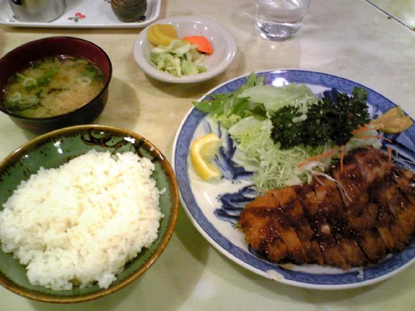 有楽町・日比谷「アケボノ」でとんかつを食す!