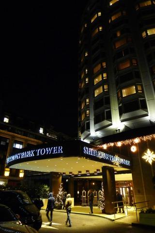 ヒースロー空港からシェラトンパークタワーホテルへタクシー移動