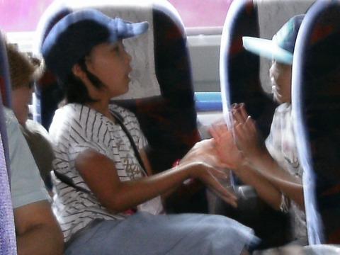 バスの中で手遊び