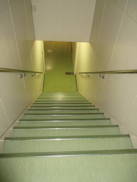 中2階階段(下り)