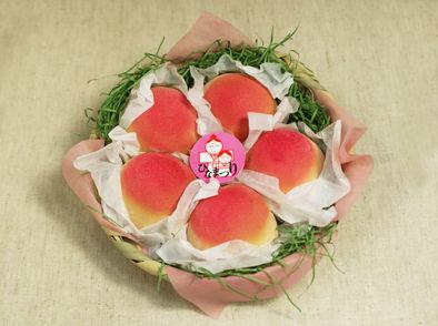 桃のかご盛り