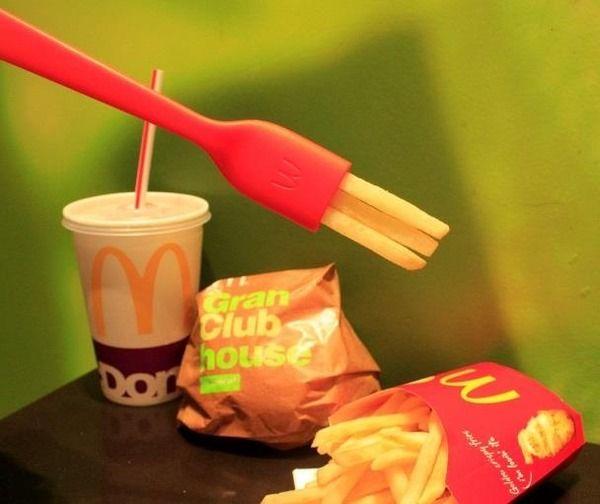 """マクドナルド、全米で話題の""""食べられるフォーク""""が日本初上陸"""
