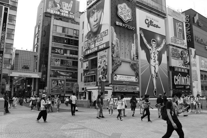 大阪・中央区・【モノクロさんぽ】戎橋界隈20150623-2