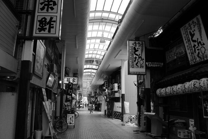 大阪・中央区・【モノクロさんぽ】相合橋筋商店街20150623-2