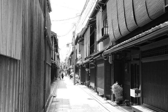 京都・東山区・【モノクロさんぽ】花見小路界隈20150624-6