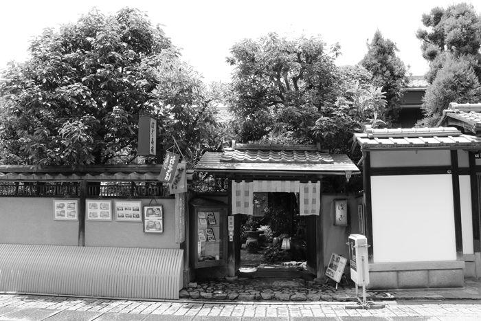 京都・東山区・【モノクロさんぽ】八坂神社~産寧坂界隈20150624-17