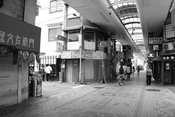 大阪・中央区・【モノクロさんぽ】相合橋筋商店街20150623-3