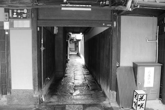 京都・東山区・【モノクロさんぽ】花見小路界隈20150624-5