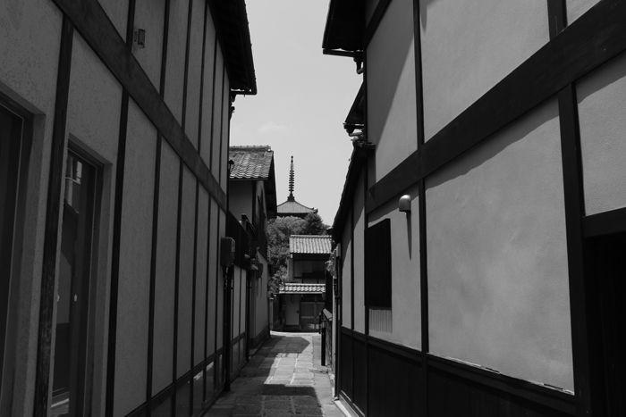 京都・東山区・【モノクロさんぽ】八坂神社~産寧坂界隈20150624-15