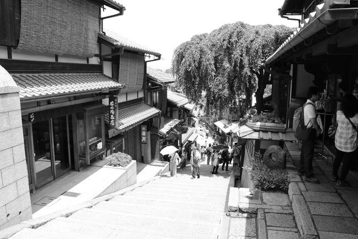 京都・東山区・【モノクロさんぽ】八坂神社~産寧坂界隈20150624-1