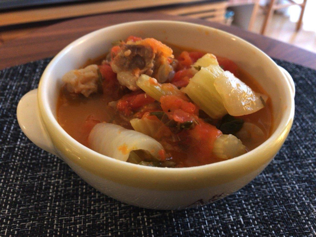 豚軟骨とセロリのトマト煮