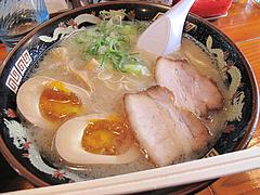 料理:ラーメン530円+半熟煮玉子100円@麺屋ラ賊・ラーメン
