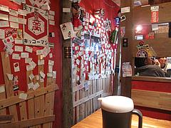 3店内:テーブル席@モヒカンらーめん・味壱家・津福本店
