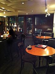2店内:丸テーブル@イタリアン・ワインバー・ラカーサ・高砂