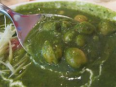 ランチ:ほうれん草と豆のカレーのひよこ豆@本場インド料理の店D.カジャナ・大手門店