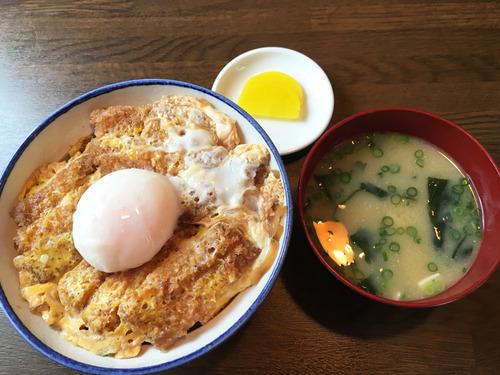 7特製かつ丼と味噌汁