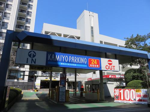 23駐車場