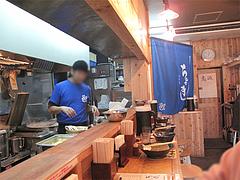 店内:全カウンター席@博多ちゃんぽん・つけ麺・ちょき・六本松