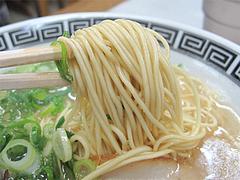 料理:とん吉ラーメン麺@ラーメン居酒屋赤のれん&とん吉・箱崎