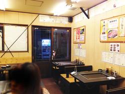 3店内・テーブル@もんじゃ・まぐろ家