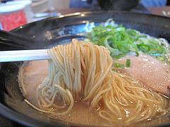 9ランチ:元祖博多ラーメンの極細麺@博多ラーメン・伍ノ壱・次郎丸