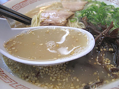料理:ラーメン豚骨スープ@博多・一楽ラーメン