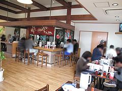 2店内:テーブル・カウンター@伊万里ちゃんぽん・福岡博多店