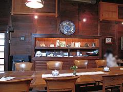 店内:中央のテーブル席@夢空間はしまや・カフェ・倉敷