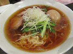 料理:中華そばスープ550円@博多発祥中華そば・鶴と亀