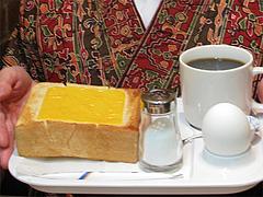 料理:トーストの厚さ@ベークショップ・イワハシ・薬院店