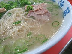 料理:ラーメンのスープ@元祖長浜屋