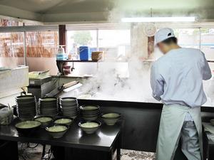 4厨房@牧のうどん