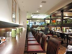 店内:お一人様カウンター席@長崎ちゃんぽん・リンガーハット・福岡大名店