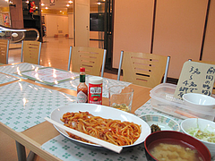 店内:テーブル席@ビック鯛はのぼる・サンセルコ