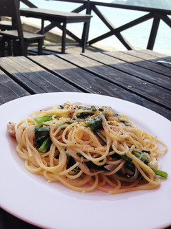14小松菜とバラのスパゲティーセット1,250円@トラットリア・ジロ