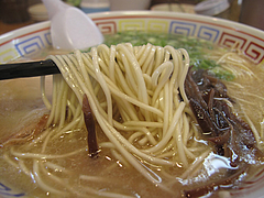 10ランチ:糸島豚豚骨ラーメン麺@ラーメン・伊都商店