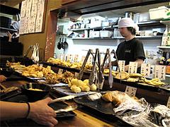 店内:天ぷらコーナー@讃岐うどん大使・福岡麺通団